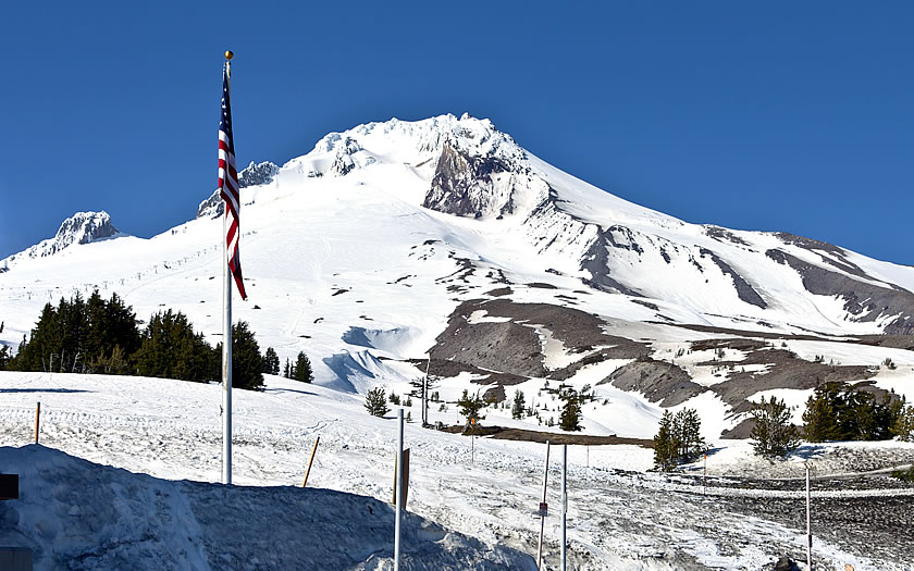 Summer skiing at Timberline, Oregon